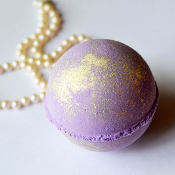Fancy Fig Bath Bomb, Christmas Bath Bomb, Shimmering Purple Winter Jumbo Bath Bomb, Christmas Scent, Cruelty Free, Vegan