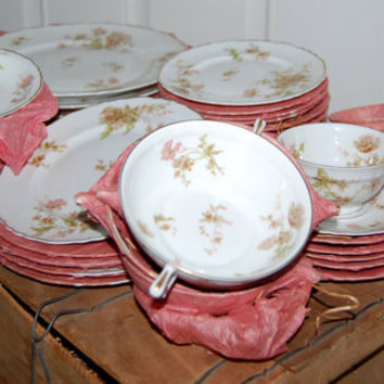 "1940 WWII / 53 piece set Theodore Haviland ""poppy"" China / In Original Shipping box / New"