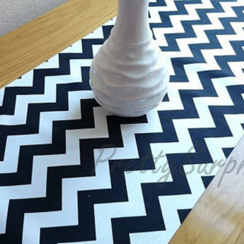 Chevron Black and White Table Runner, Modern Table Runner, Handmade Table Cover, Zig Zag Table runner, Wedding Table Runner, Classic Runner