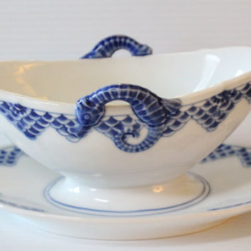 BING and GRONDAHL KRONBERG Pattern Vintage Gravy Boat and Saucer - Discontinued