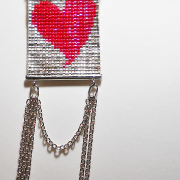 Valentine 's day . Red Heart - Loom beadwork - Rubber tube