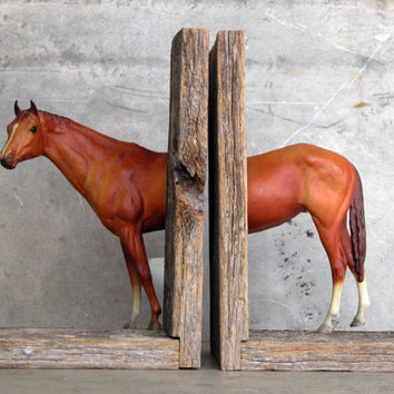 EQUINE COLLECTION triple crown horse bookend in chestnut