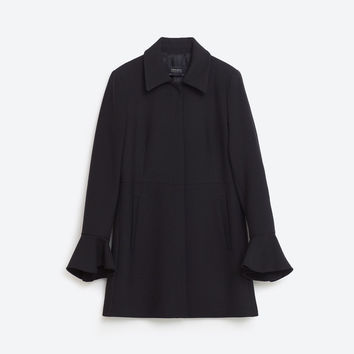 FRILLED CUFF FROCK COAT DETAILS