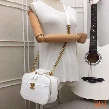 HCXX 19Aug 099 8181A Fashion Embossing Quilted Bag Leather Chain Shoulder Cambridge Satchel Bag 33-23-10CM White