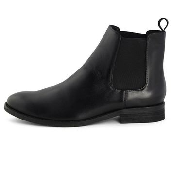 Waxed Chelsea Boots in Black