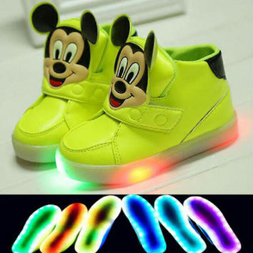 2017 New Fashion LED lighting sub-casual shoes cartoon little girl baby Mickey printing indicator flashes shoes sneakers