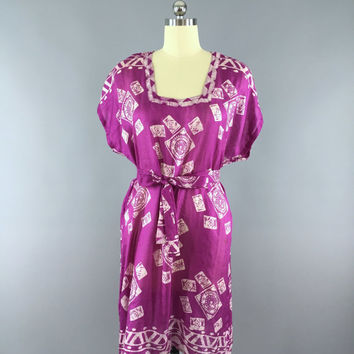 Silk Kaftan Dress / Kimono Dress / Vintage Indian Sari / Tunic Caftan / Swim Beach Cover Up / Purple Batik Print / Honeymoon Wedding