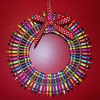 Customize Your Crayon Wreath