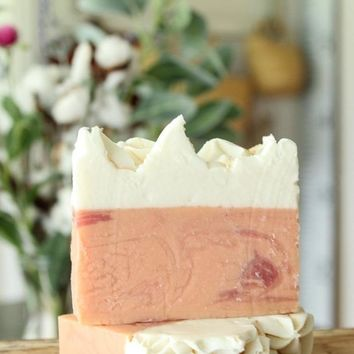 Peaches & Honey Handcrafted Soap Bar
