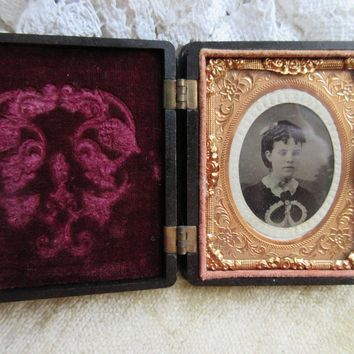 Antique Victorian Ornate Gutta Percha Union Case Frame, Antique Photo Young Girl