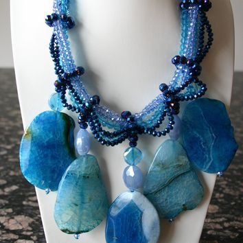 Divine Handcrafted Crystal Chunky Aquamarine-Blue Agate Gemstone Necklace