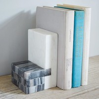 L-Shape Geometry Bookend