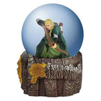 The Lord of the Rings LEGOLAS GREENLEAF™ in Battle Water Globe with Light-up Base |