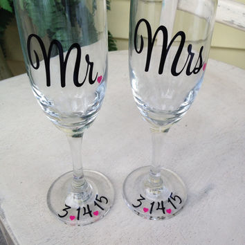 Bride and groom, toasting flute, custom toast glass, personalized wedding toast flute, mr and mrs glass, personalized, champagne glasses