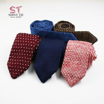 2018 Genuine Knitted Ties Dot Solid Men's Triangle Woven Polyester Necktie Slim Casual Cravat Winter Tie For Men Accessories