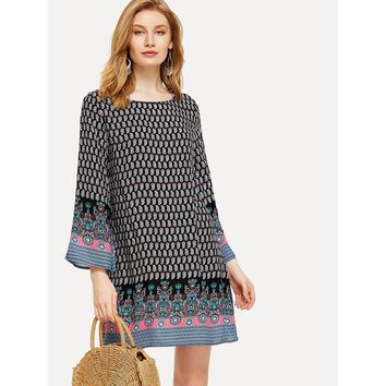 Multicolor Scoop Neck Bell Sleeve Shift Dress