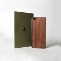 Real Wood Skin For iPhone 5 By Monolith - $20 | The Gadget Flow
