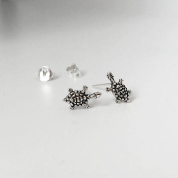 925 Sterling Silver Tiny Turtle Studs Earrings, Turtle Earrings, Good Luck, children Earrings, Dainty Earrings, cartilage earrings, tragus