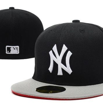 ESBON New York Yankees New Era MLB Authentic Collection 59FIFTY Cap Black-Grey