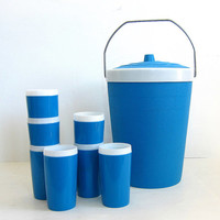 vintage Blue plastic Ice Bucket cooler / Bar Ware with cups. Metal Handle. Camping / Camper decor