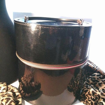 ON SALE Women's Vintage Black Extra Large Wig Hat Box Mid Century Home Decor Collectible Mad Men Mod Rockabilly Hair Dresser's Accessories