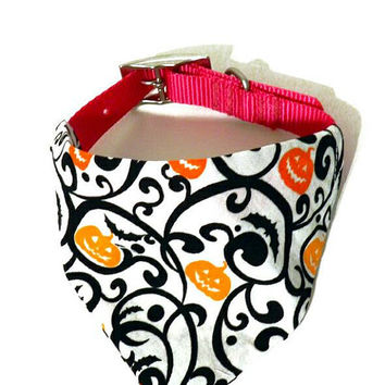 XS/S/M/L Pumpkin & Bats Black Halloween Print Monogrammed/Personalized/Embroidered Slip On Dog Collar Bandana Pet Accessory for Dog or Puppy