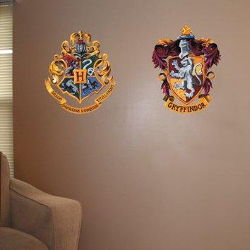 Roommates Rmk1551Gm Harry Potter Crest Peel And Stick Giant Wall Decal