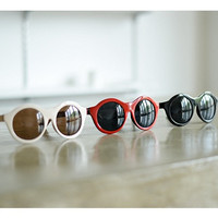 bangle * sunglass