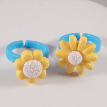 plastic adjustable toddler ring, midi ring, daisy or sunflower -back to school fashion, statement jewelry under 5 - stocking stuffer, easter