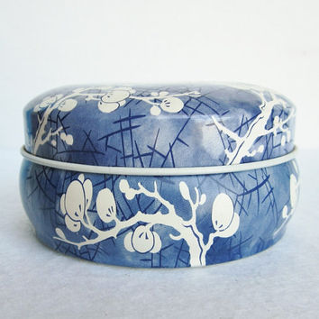 Vintage Daher Blue and White Cherry Blossoms Round Tin