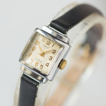 Art deco style lady's watch silver gold black shades wristwatch square feminine women's watch ornament face premium leather strap new