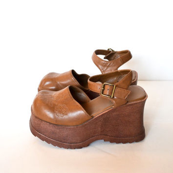 Vintage 90s Platform Shoes Chunky Heel Shoes Chunky Heel Sandals Camel Brown Platform Sandal by Funky Chunk Rave Club Kid Grunge Size 8.5