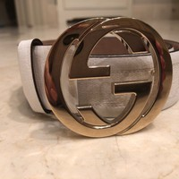 EUC GUCCI White & Beige Logo Leather Belt With Gold Logo Buckle Size XS