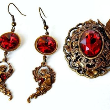 Earrings and brooches vintage handmade with Swarovski crystals