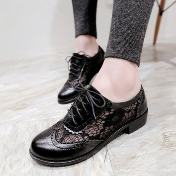 Hollow Out Lace Lace Up Women Low Heeled Oxfords Shoes 9194