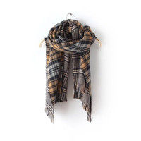 Plaid Pattern Fringed Knitted Scarf