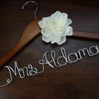 Personalized Wedding Dress Hanger W.. on Luulla