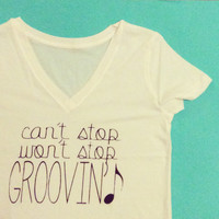 Can't Stop Won't Stop Groovin T Swift Shake it Off Graphic Tee Slogan Tshirt Sz Small