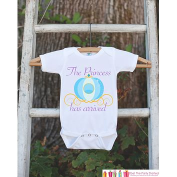 The Princess Has Arrived Bodysuit For Newborn Baby Girls - Princess Onepiece - Novelty Outfit Baby Shower Gift for Infant Girl - Carriage
