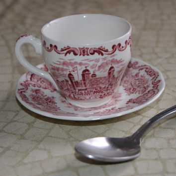 1965 Red Transferware Enoch Wedgewood Demitasse Coffee Tea Cup And Saucer ROYAL HOMES Of BRITAIN Pattern Barista