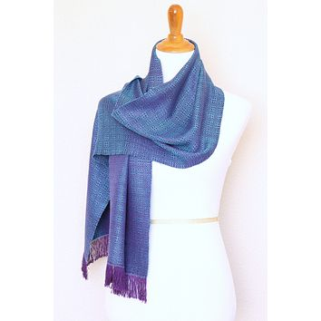 Woven scarf in blue and purple color, eucalyptus scarf with fringe