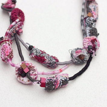 Rustic fiber necklace, OOAK knitted jewelry with bamboo beads, gray pink burgundy