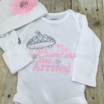 The Princess has arrived shirt or bodysuit and hat set.  Perfect for hospital or coming home outfit light pink