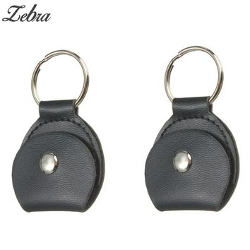 2pcs Faux Leather Key Chain Style Guitar Picks Case Bag Black Guitar Bass Picks Holder Plectrums Case Guitar Parts Accessories