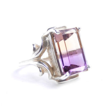 Vintage Sterling Silver Purple & Yellow Stone Ring -  Size 8  Costume Jewelry / Multi-Colored Magic