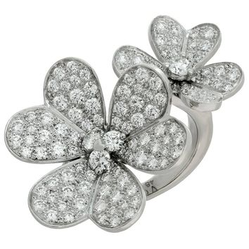 Van Cleef & Arpels Frivole Diamond White Gold Between the Finger Flower Ring