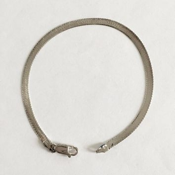 Vintage 925 Italian Sterling Silver Herringbone 7.5 Inch Bracelet with Lobster Claw Clasp, Stackable Bracelet, Classic and Elegant Silver