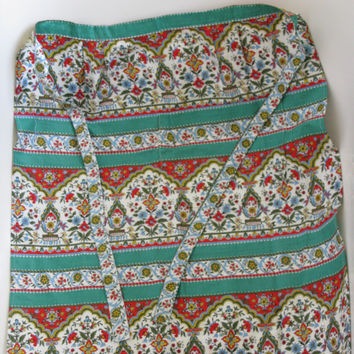 Paisley print apron - Vintage Apron - Half Apron - Christmas Apron - Kitchenalia - Retro Homeware - Cupcake Baking - Cotton Apron Accessory