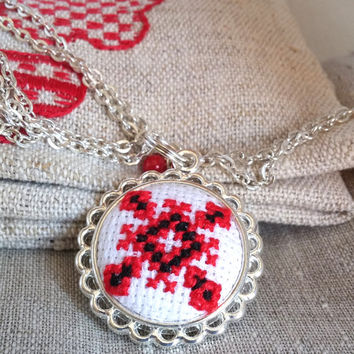 Ethnic Ukrainian cross stitch JEWELRY STORE. Red and black necklace. Free shipping worldwide! P15.