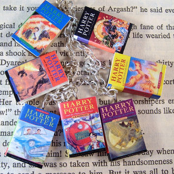 Harry Potter Miniature Classic Novels Book Charm Bracelet Uk Version